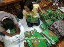 Proses Packing Kain Batik Siap Kirim